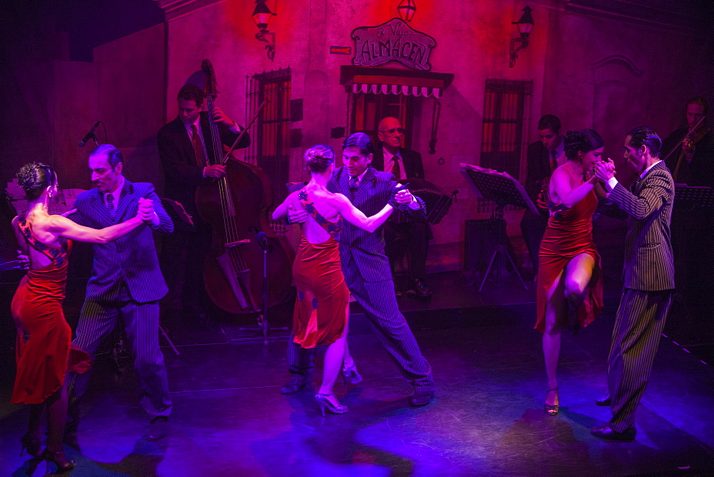 Tango dance show at El Viejo Almacen restaurant and bar, Buenos Aires, Buenos Aires, Argentina, South America - 1113-92267