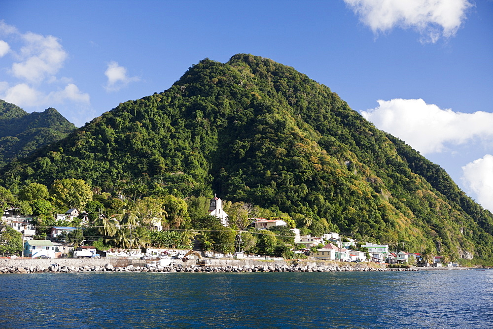 Coast close to Roseau, Caribbean Sea, Dominica, Leeward Antilles, Lesser Antilles, Antilles, Carribean, West Indies, Central America, North America