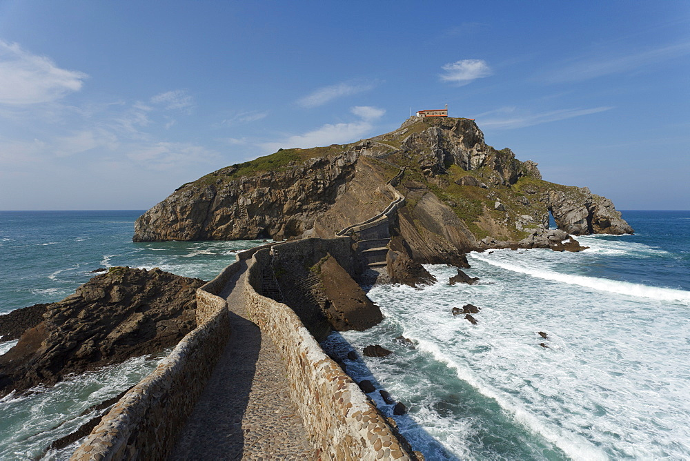 Seaman's chapel on a rocky island, San Juan de Gaztelugatxe, Cape of Matxitxako, Province of Guipuzcoa, Basque Country, Euskadi, Northern Spain, Spain, Europe