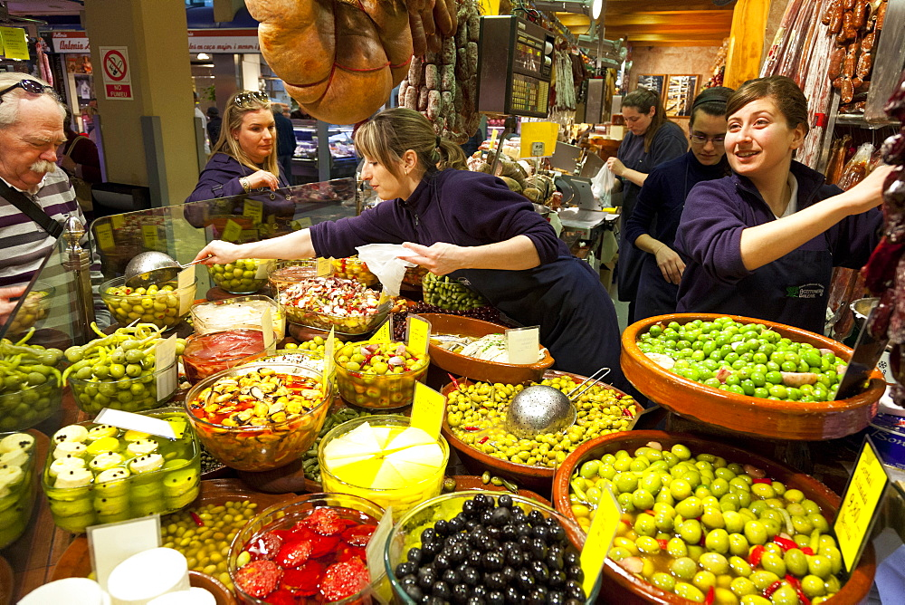 Mercat Olivar, market hall, center of Palma, market-woman selling olives, fresh food, antipasti, shopping, Palma de Mallorca, Mallorca, Spain - 1113-93723