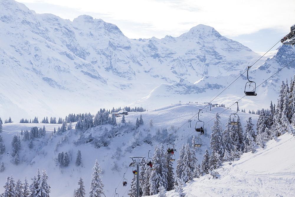 Skilift, Allmendhubel, Muerren-Schilthorn skiing area, Muerren, Lauterbrunnental, Jungfrauregion, Bernese Oberland, Canton Bern, Switzerland, Europe