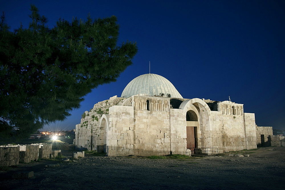 Umayyad Palace at the citadel at night, capital Amman, Jordan, Middle East, Asia