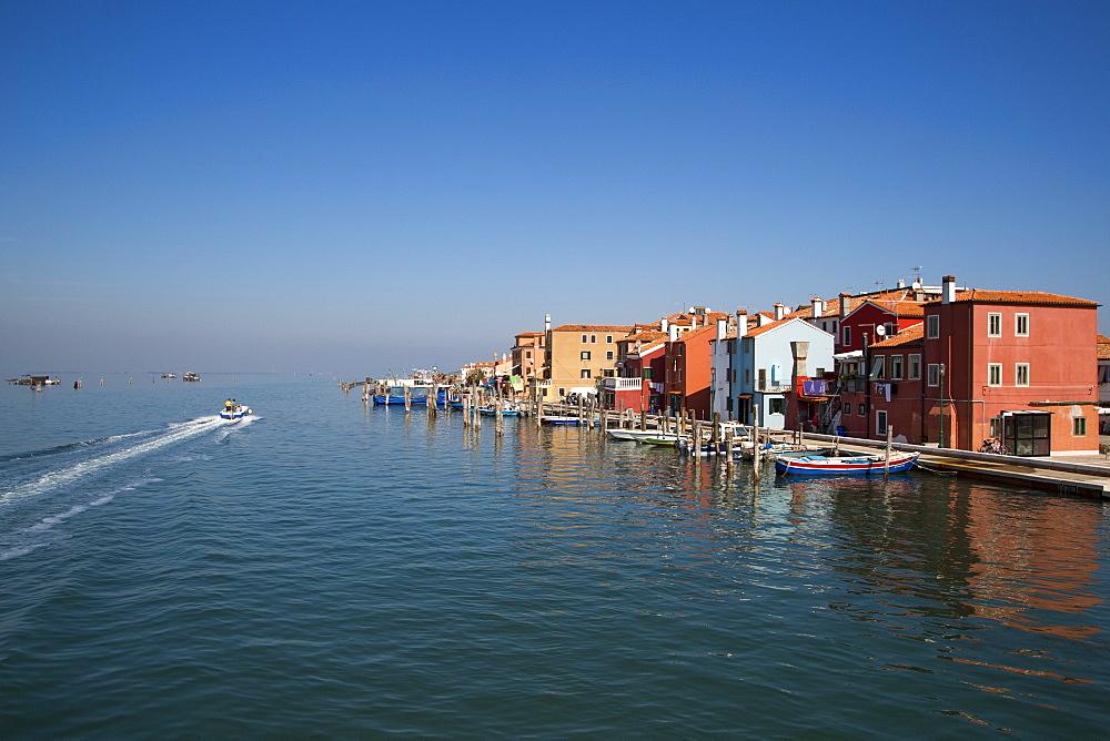 Colourful houses along the Canale Pellestrina, Pellestrina, Veneto, Italy, Europe