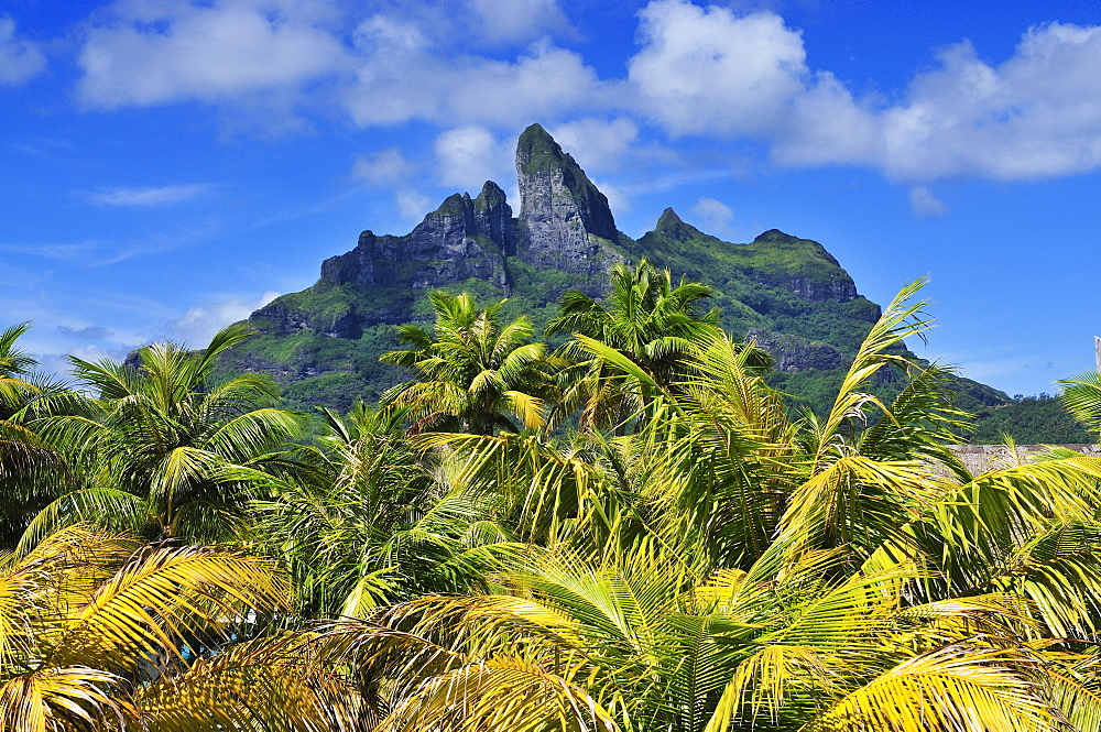 Mount Otemanu, Bora Bora, Society Islands, French Polynesia, Windward Islands, South Pacific