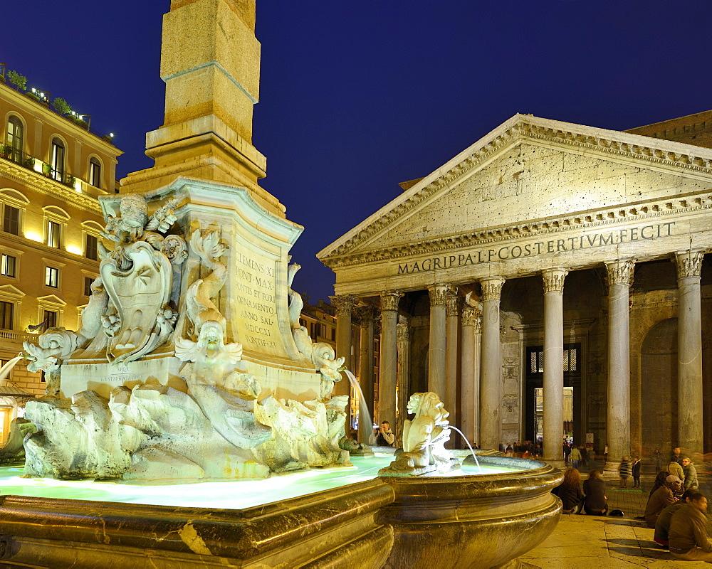 Fountain on Piazza della Rotonda with Pantheon at night, illuminated, UNESCO World Heritage Site Rome, Rome, Latium, Lazio, Italy