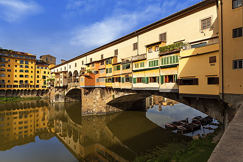 Ponte Vecchio bridge over the Arno river, Florence, Tuscany, Italy, Europe