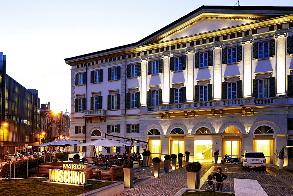 Exterior view of Hotel Maison Moschino, Via Monte Grappa 12, Milan, Italy