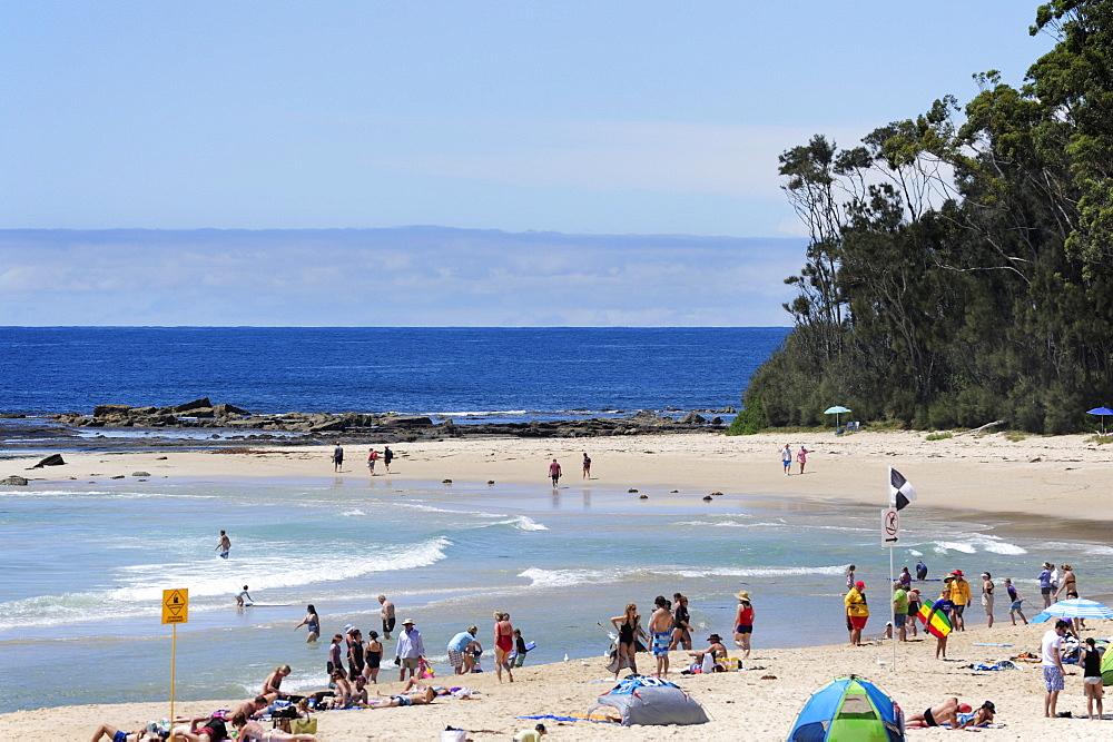 People on the beach near Mollymook, Ulladulla, Shoalhaven Coast, New South Wales, NSW, Pacific Ocean, Australia