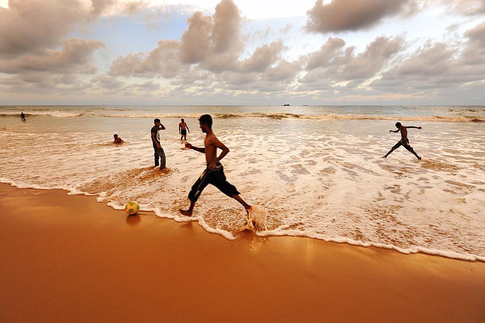 Evening ambiance after sunset, beach at Bentota, Southern Province, Ceylon, Sri Lanka, Indian Ocean, Asia