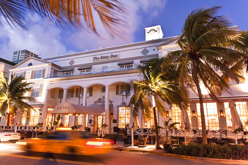Hotel The Betsy in the evening light, Ocean Drive, South Beach, Miami, Florida, USA
