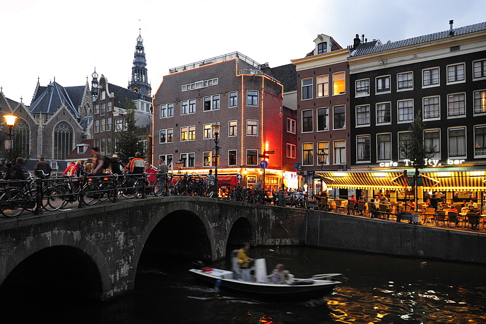 Residential houses, bridge across a canal in the red-light district De Walletjes, Wallen-quarter, historic city centre, Amsterdam, Holland, the Netherlands