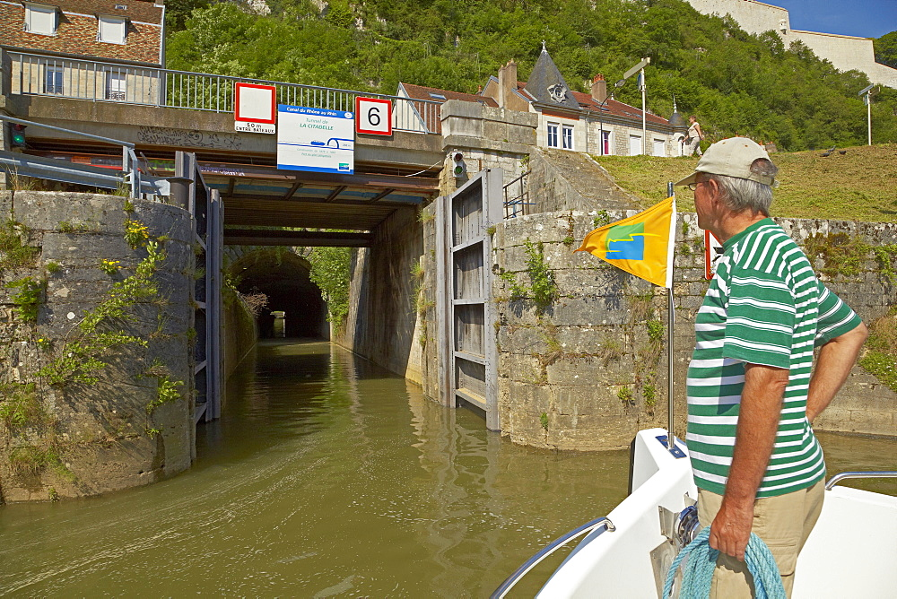 Entrance of the tunnel Tunnel de Tarragnoz on the Doubs-Rhine-Rhone-channel at Besancon, Doubs, Region Franche-Comte, France, Europe