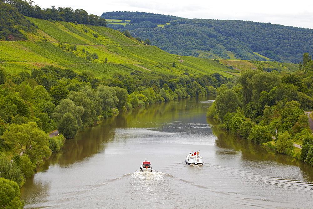 Houseboat on the river Saar near Kanzem lock, Rhineland-Palatinate, Germany, Europe