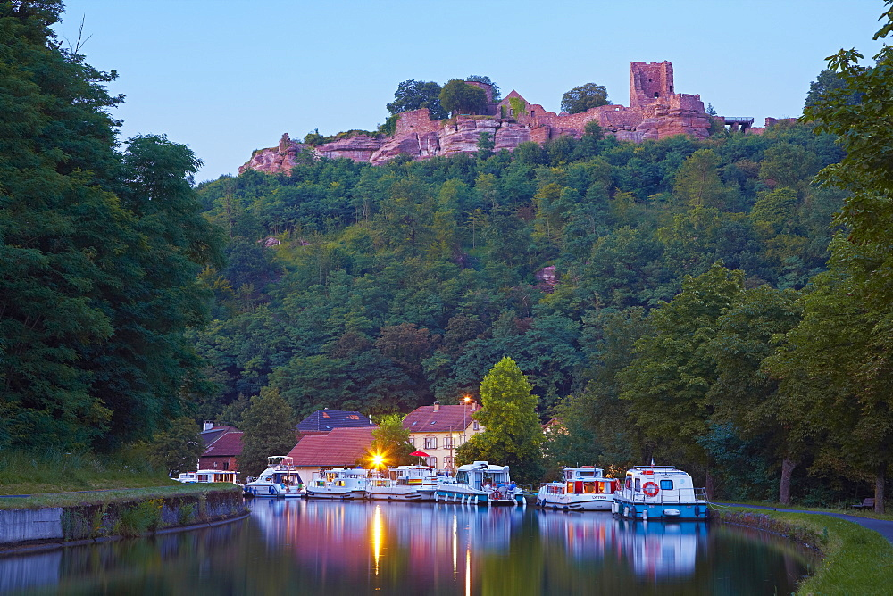 Castle and marina with houseboats on Canal de la Marne au Rhin at Saverne, Moselle, Region Alsace Lorraine, France, Europe