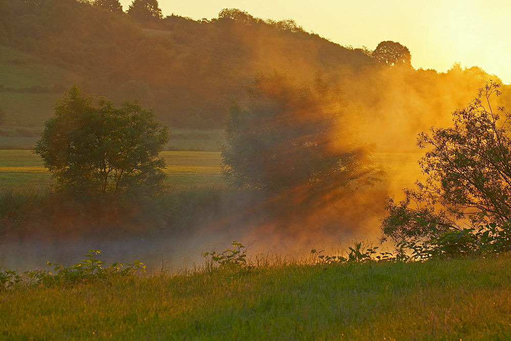 Sunrise at the river Lahn near Diez, Westerwald, Rhineland-Palatinate, Germany, Europe