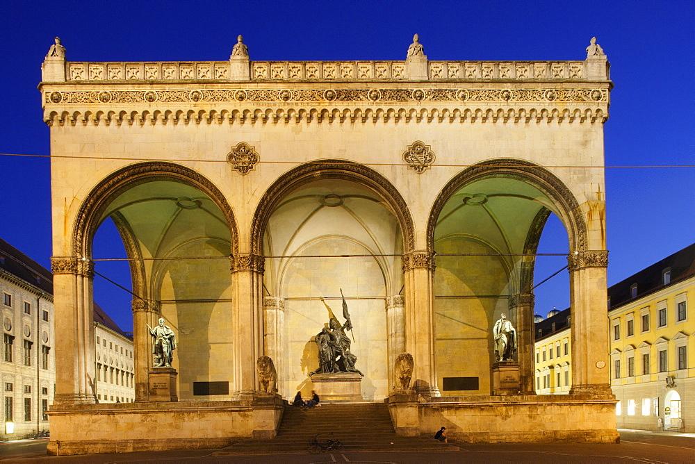 The Feldherrnhalle in the evening, Odeonsplatz, Munich, Bavaria, Germany
