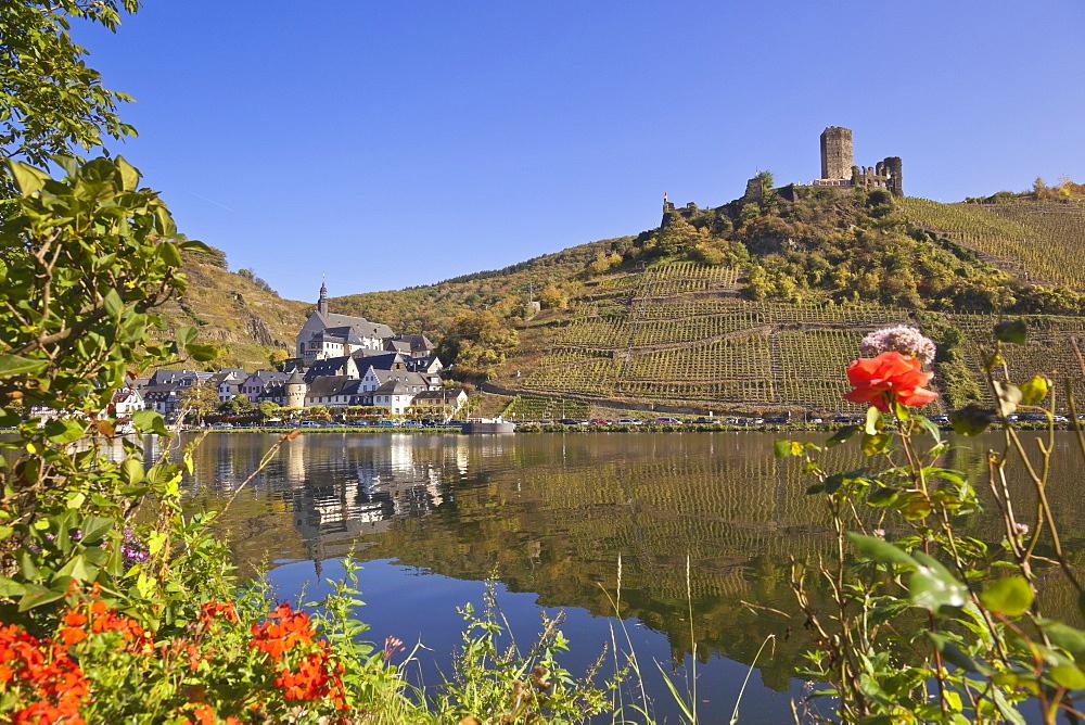 Beilstein and Metternich castle, Beilstein an der Mosel, Beilstein, Rheinland-Pfalz, Germany