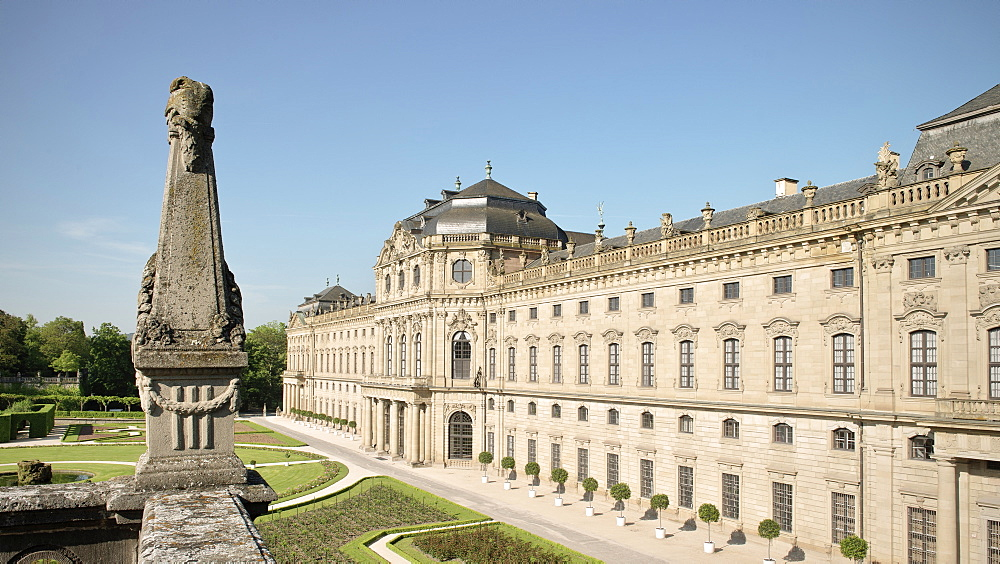 Royal gardens and Residenz, baroque era, Wuerzburg, Franconia, Bavaria, Germany, UNESCO