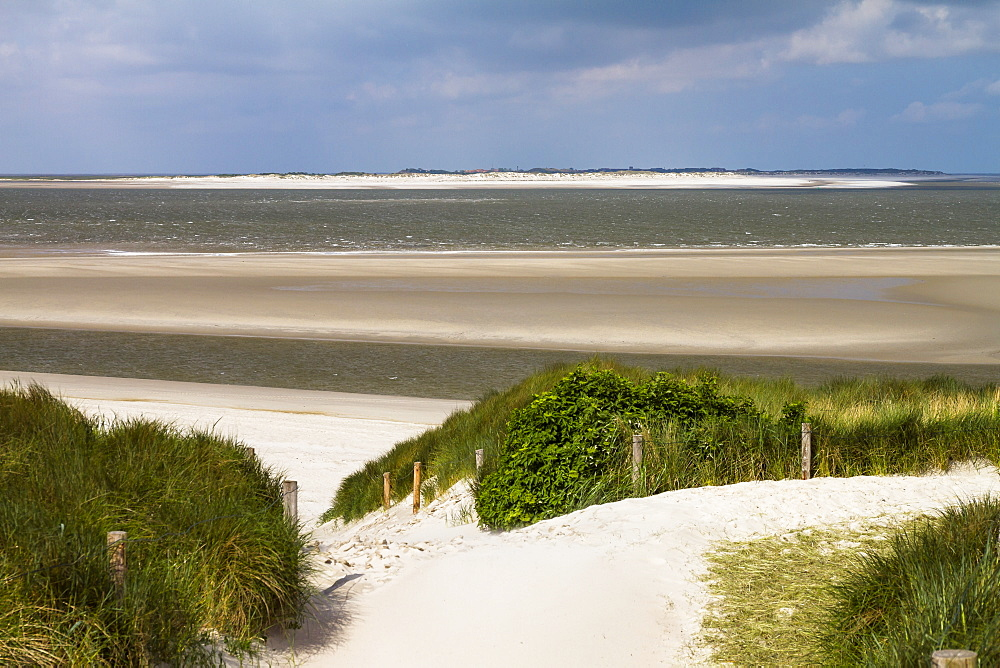 Dunes and beach, view to Baltrum Island, Langeoog Island, National park, Unesco World Heritage Site, North Sea, East Frisian Islands, East Frisia, Lower Saxony, Germany, Europe