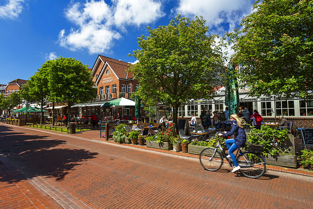 Cafes and restaurants in Barkhausen Street, Langeoog, Langeoog Island, North Sea, East Frisian Islands, East Frisia, Lower Saxony, Germany, Europe