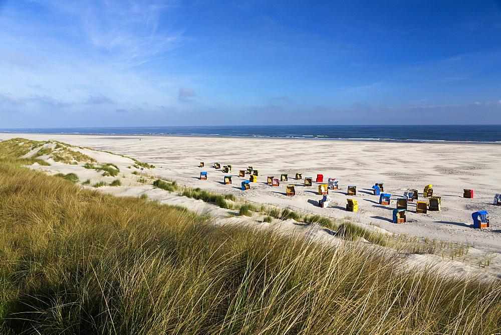 Beach chairs at the beach, Juist Island, North Sea, East Frisian Islands, East Frisia, Lower Saxony, Germany, Europe