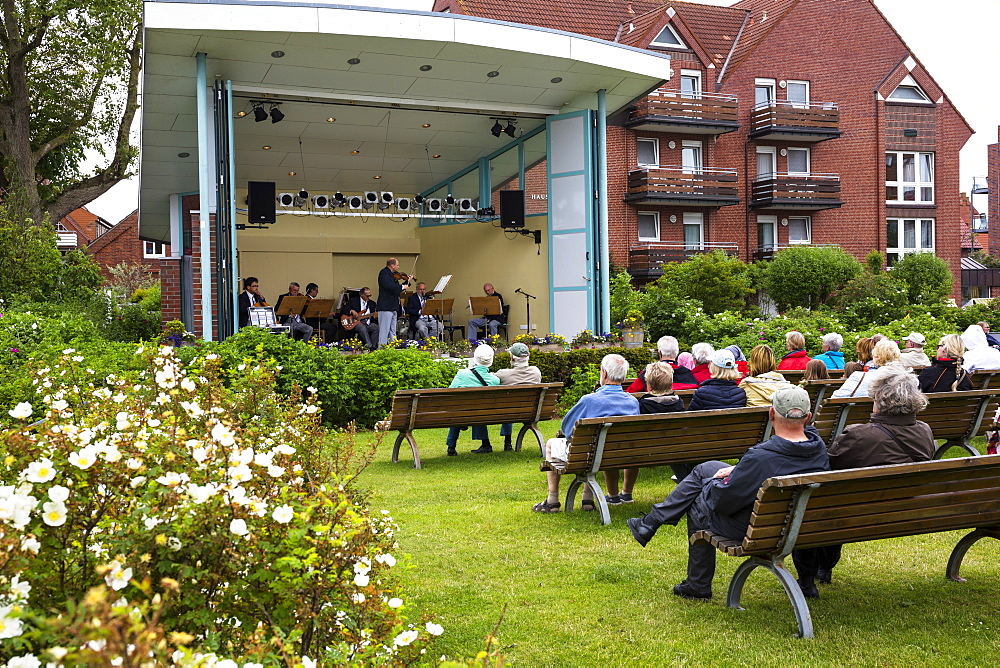 Spa concert, Juist Island, Nationalpark, North Sea, East Frisian Islands, East Frisia, Lower Saxony, Germany, Europe
