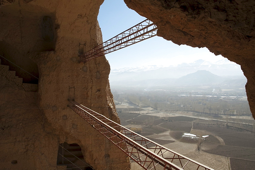 Large scaffolding for the emergency consolidation of the niche of the Small Buddha, destroyed by the Taliban in 2001 in Bamiyan, Bamian Province, Afghanistan