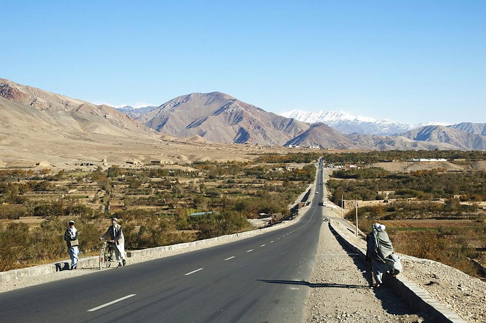 Kabul to Kandahar Highway near Pol-e Matak, Parwan Province, Afghanistan