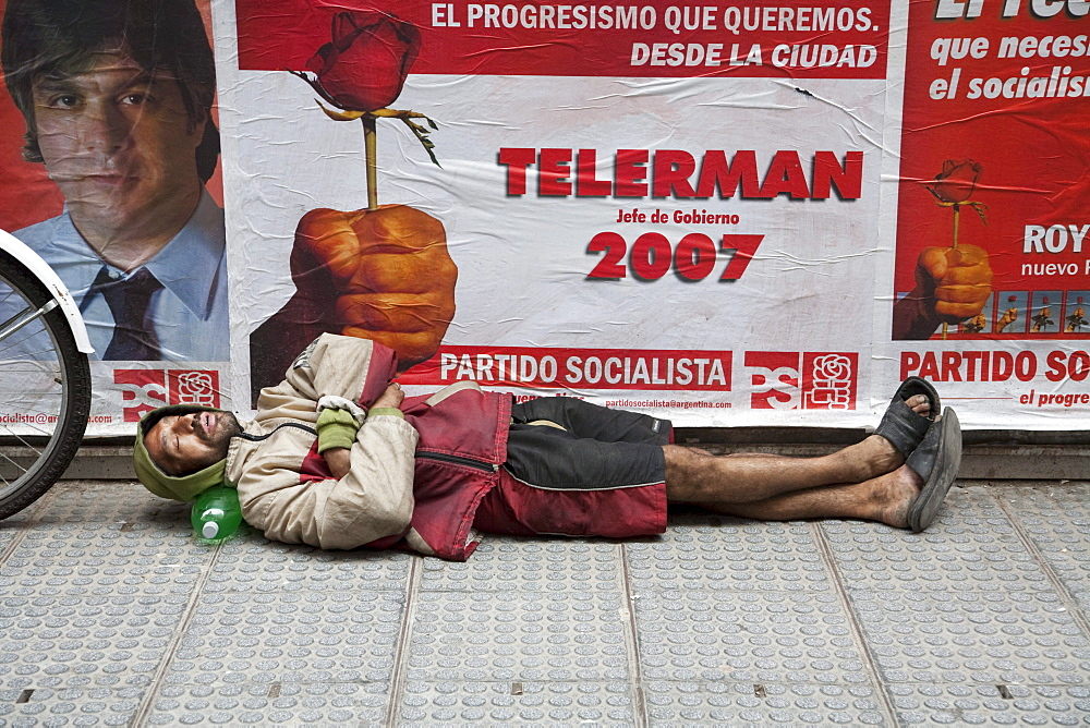 Homeless man, Buenos Aires, Capital Federal, Argentina