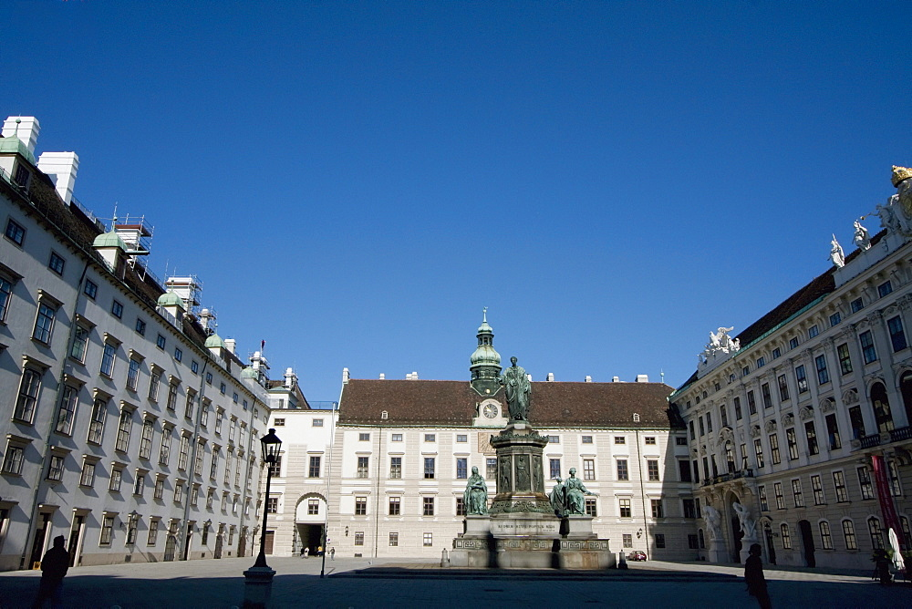Monument to Emperor Franz I of Austria in the Innerer Burghof and Amalienburg in the Hofburg Imperial Palace, Vienna (Wien), Austria