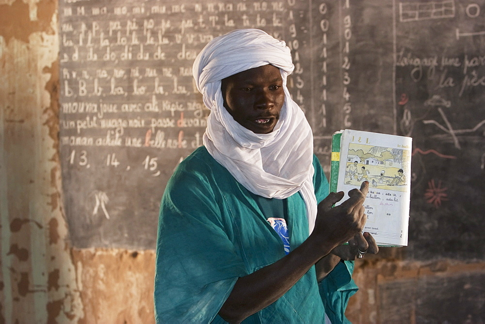 Tuareg teacher in a primary school in Tiriken, Mali