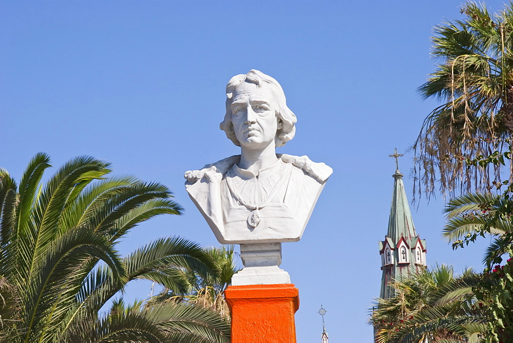 Bust of Christopher Columbus on Plaza Colón, Arica, Arica & Parinacota Region, Chile