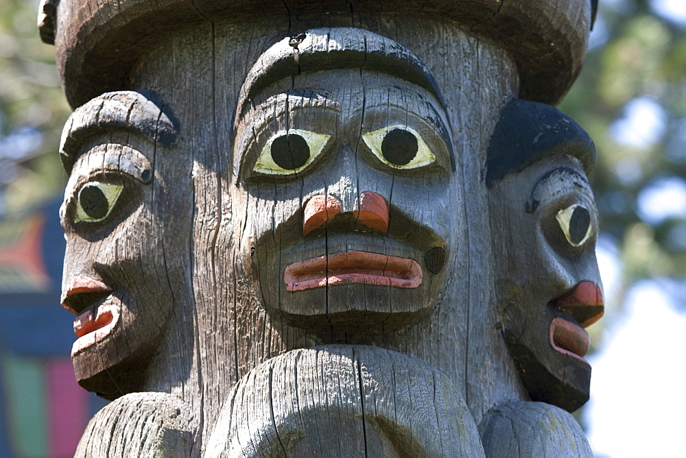 Gitxsan totem pole carved by Mungo Martin, Henry Hunt and Tony Hunt in Thunderbird Park, Victoria, British Columbia, Canada