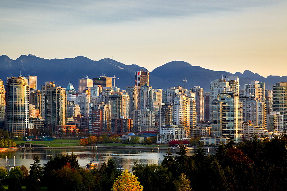 Skyline with Yaletown, False Creek and North Shore Mountains, site of 2010 Winter Olympics, Vancouver, British Columbia