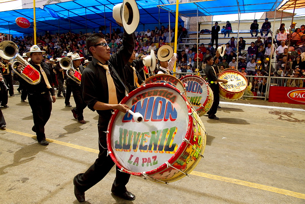 Drummers in a marching band in the procession of the Carnaval de Oruro, Oruro, Bolivia