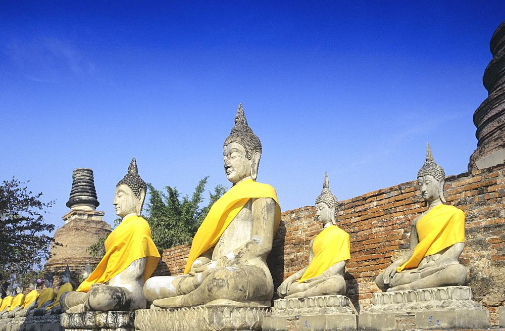 Thailand, Sukhothai Historical Park, Wat Yai Chai Mongkol, Boddhistava statues