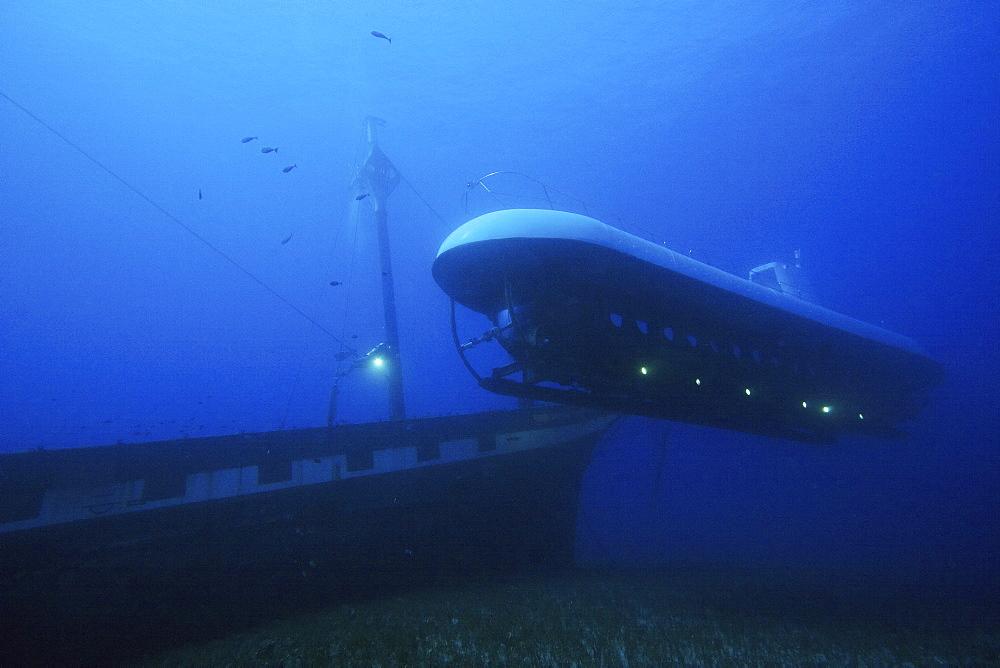 Hawaii, Maui, Lahaina, Atlantis submarine visits the Carthaginian, sunk as an artificial reef December 2005