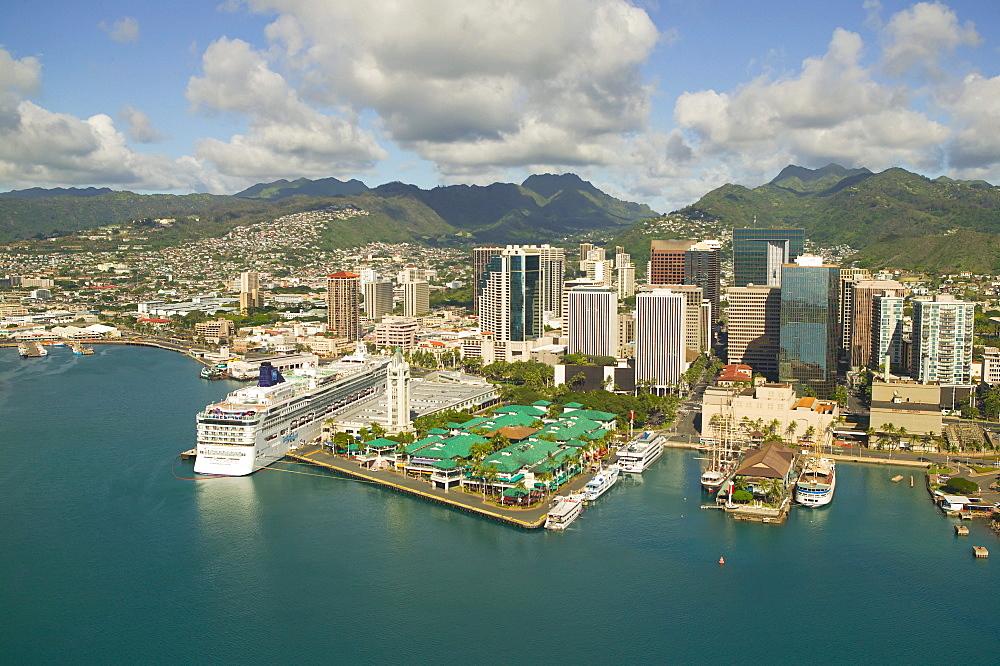 Hawaii, Oahu, Downtown Honolulu and harbor.