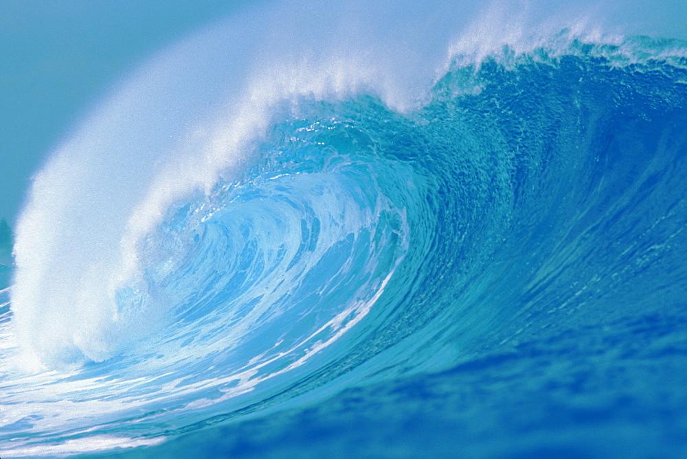 Hawaii, Wave looking down the tube