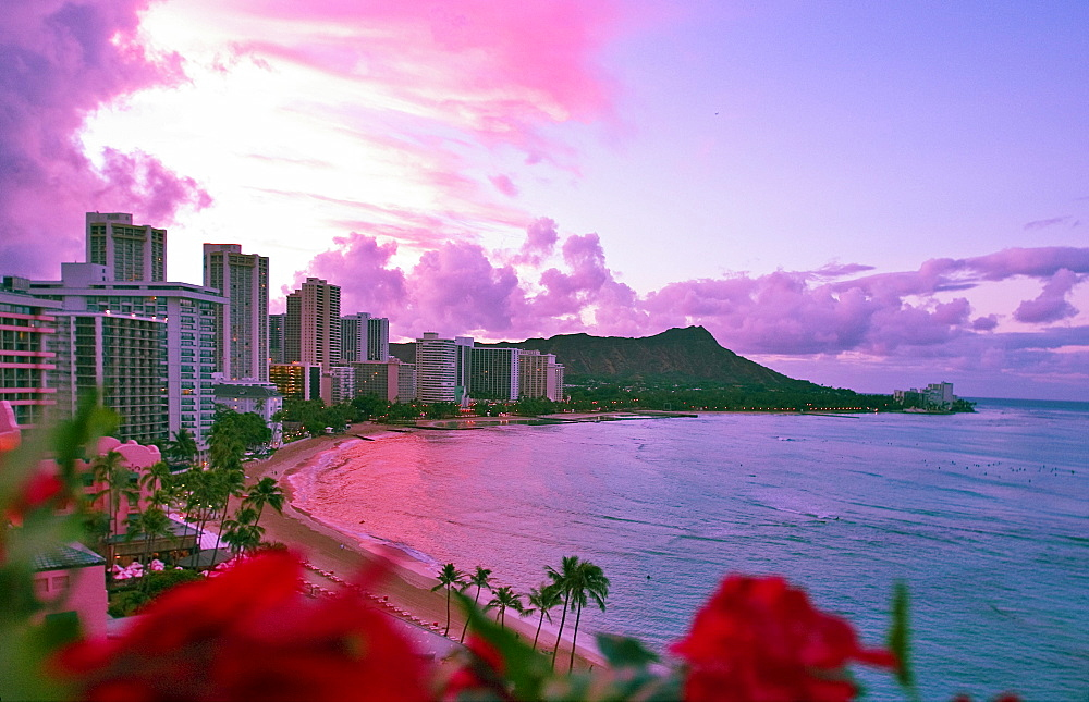 Hawaii, Oahu, Sunrise view at Waikiki, [For use up to 13x20 only]