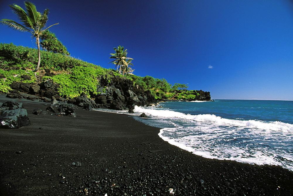 Hawaii, Maui, Hana, Wainapanapa, Black Sand beach