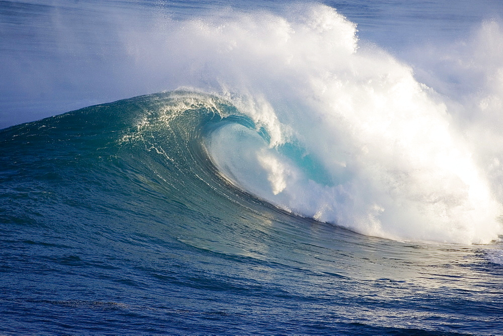 Hawaii, Maui, Large wave crashing at JAWS, well known surf spot