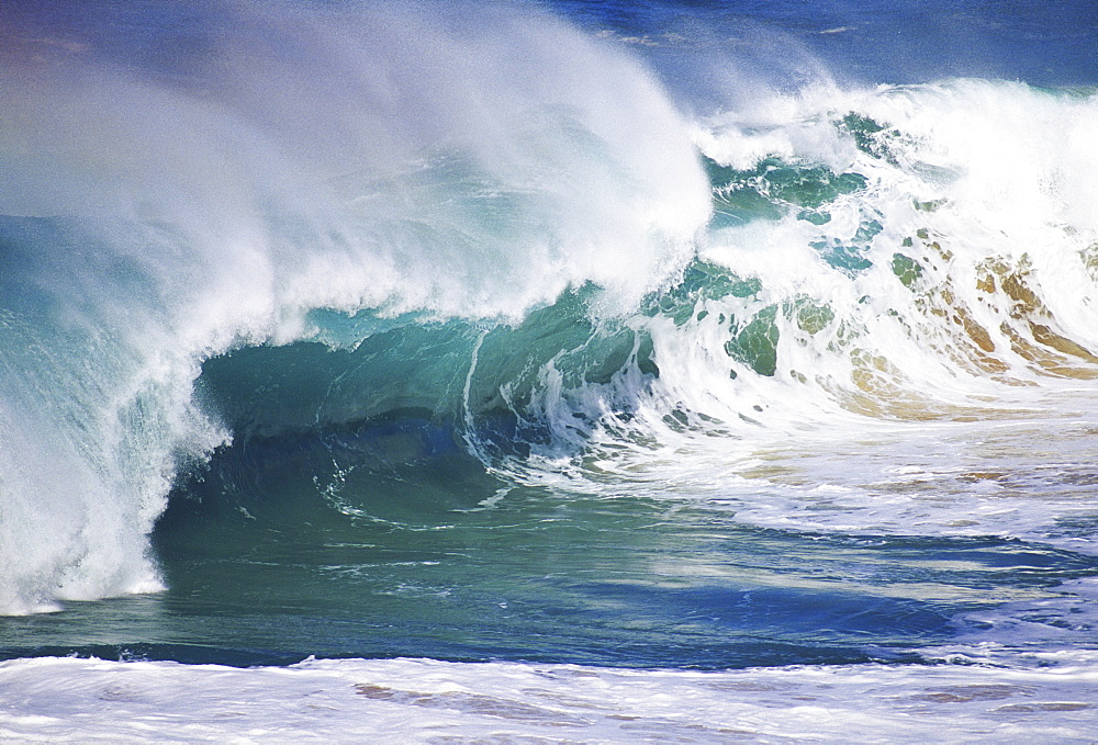 Hawaii, Oahu, North Shore, Wild and crashing winter waves.