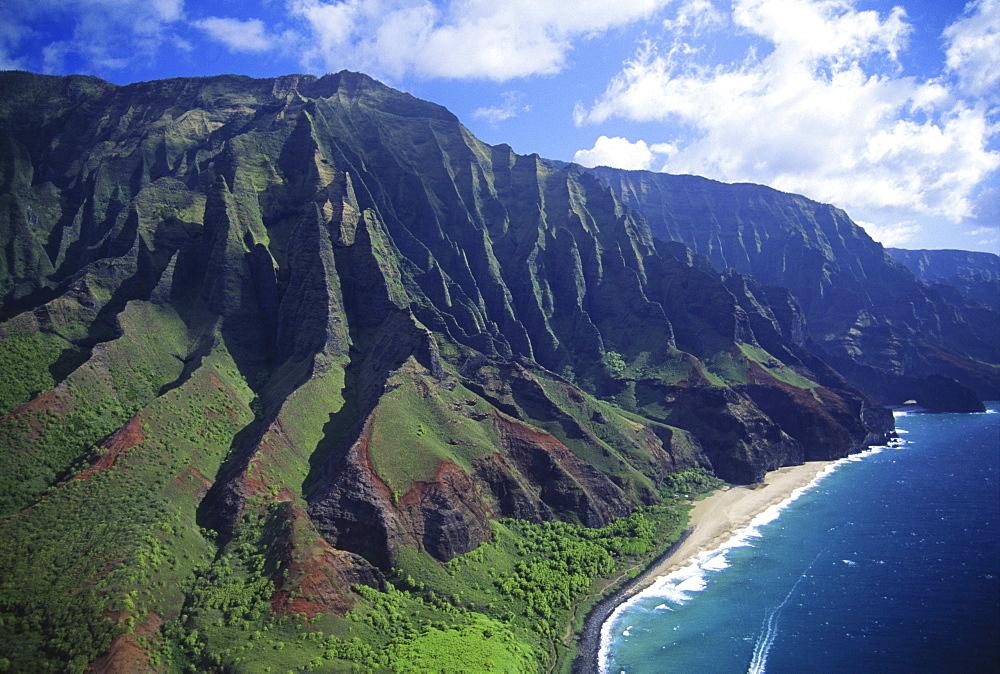 Hawaii, Kauai, Na Pali Coast, aerial view along mountains.