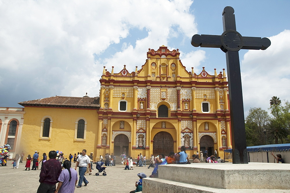 Cathedral And Cross On Cathedral Square, San Cristobal De Las Casas, Chiapas, Mexico