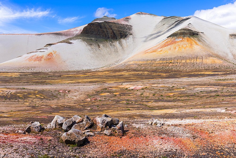 The colorful landscape of the Valley of Ten Thousand Smokes and Baked Mountain in Katmai National Park; Alaska, United States of America - 1116-39561
