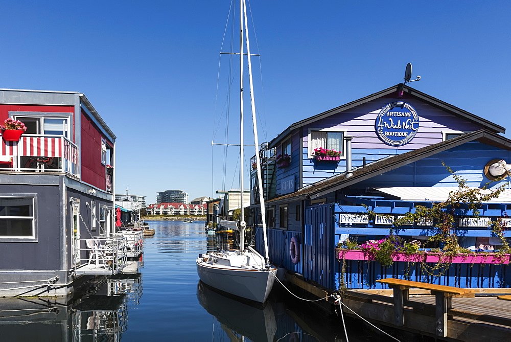 Shops and homes in Fisherman's Wharf in the Inner Harbour of Victoria, Vancouver Island, Victoria, British Columbia, Canada