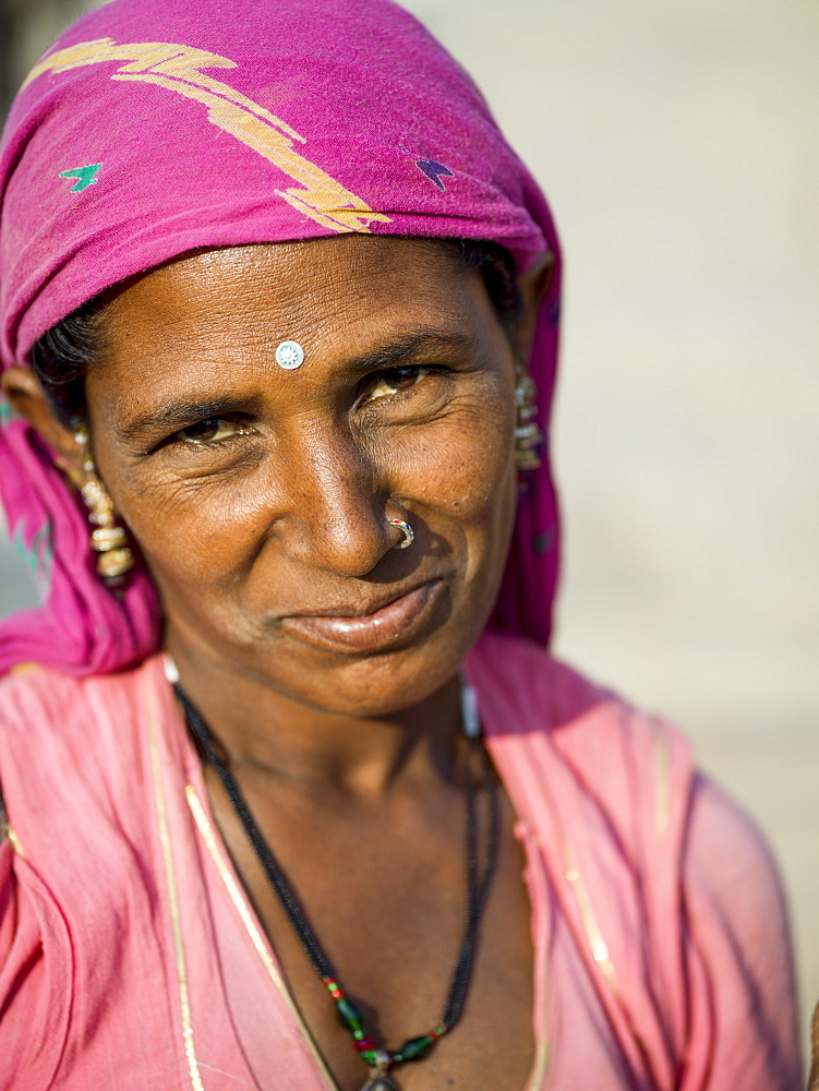 Portrait of an Indian woman with a bindi, Jaisalmer, Rajasthan, India