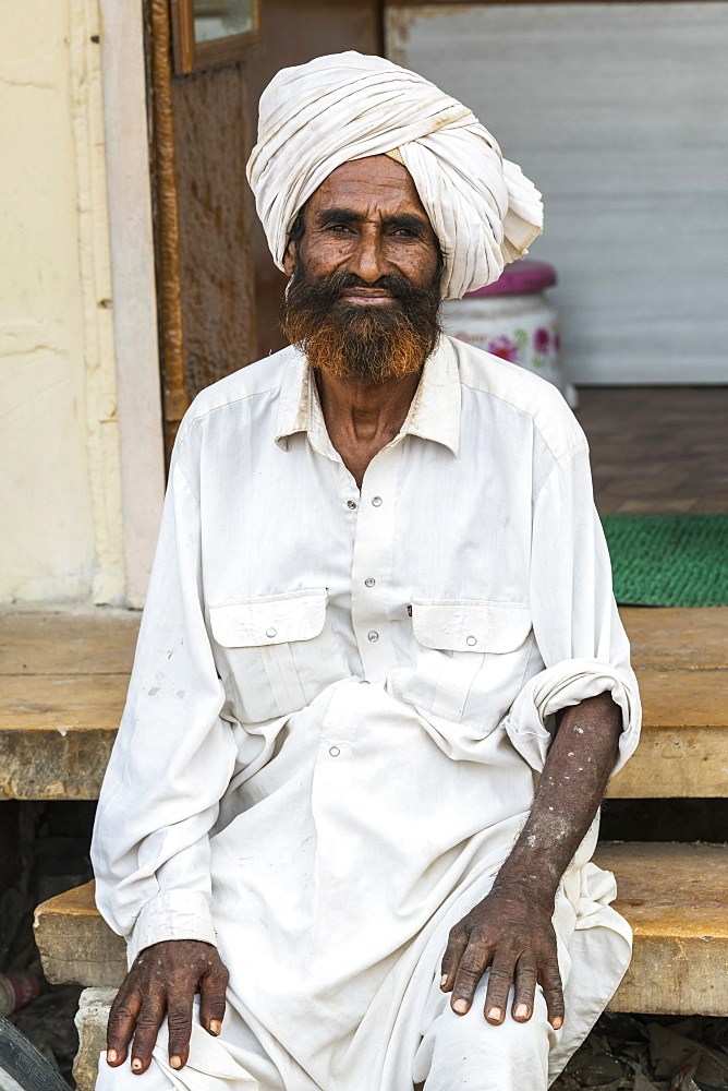 Portrait of an Indian man with turban, Jaisalmer, Rajasthan, India