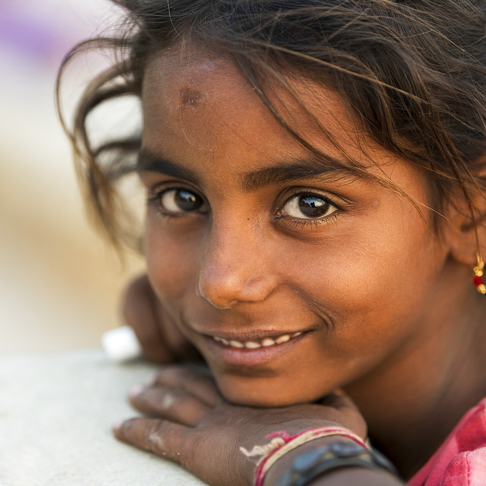 Portrait of a young Indian girl, Jaisalmer, Rajasthan, India